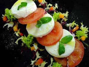 Ensalada de tomate y mozarrella